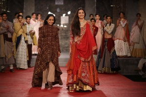 Designer Anju Modi with her showstopper, actress Tabu