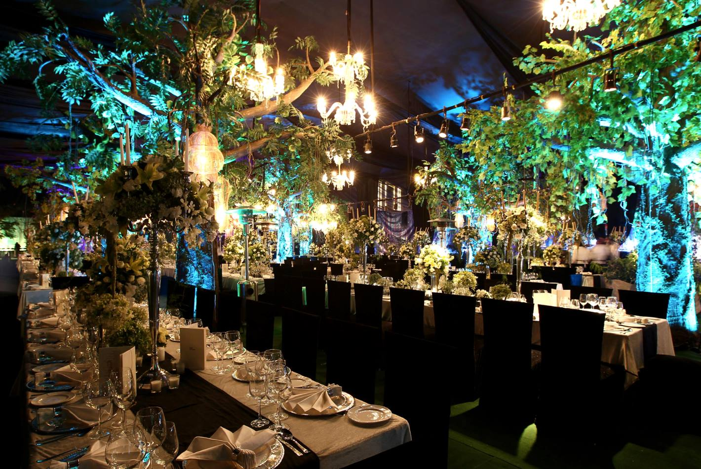 View Wedding Decor: Fashion Designers Tie The Knot With Wedding Décor
